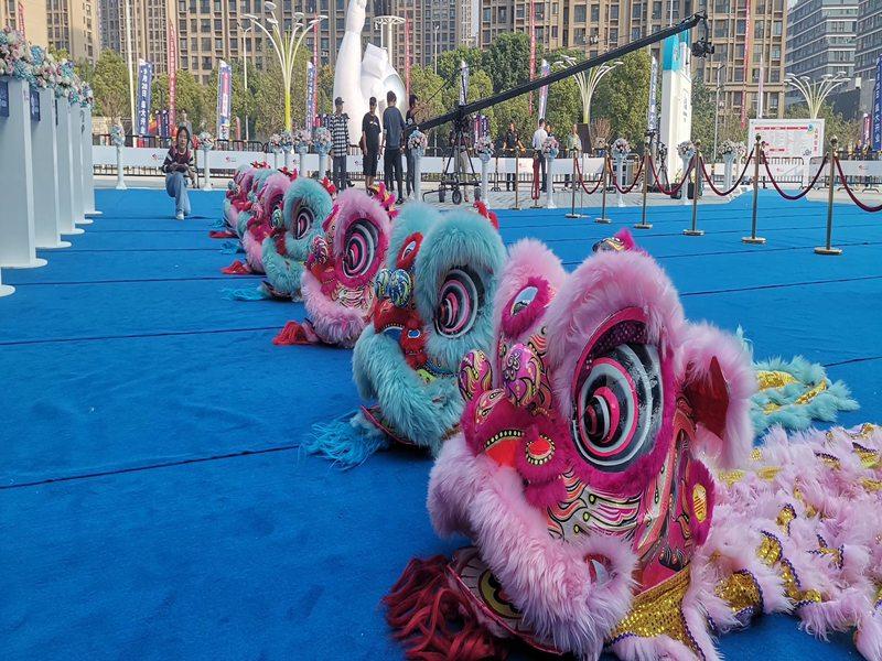 上海春节开年舞狮表演